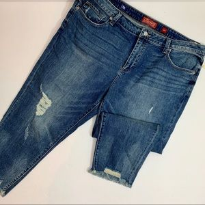 NWT Lucky Brand Raw Hem Cropped Jeans